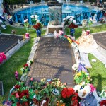 Graceland_Elvis_tomb
