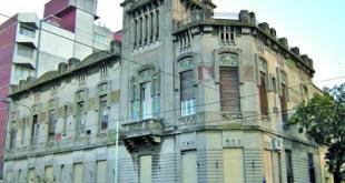 HOSPITAL ESPAÑOL. Se demolió parte del edificio original.