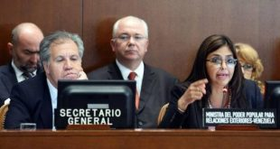 Luis Almagro, Secretario Gral. de la OES y Delcy Rodríguez, canciller venezolana /Foto: noticiasyactualidad.org)
