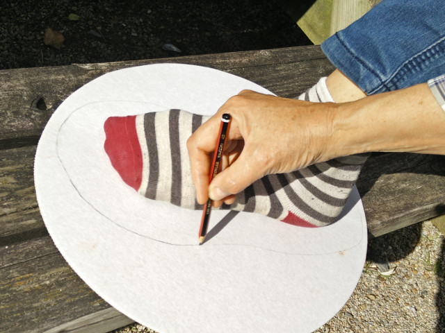 Hand felted slippers: Making the template