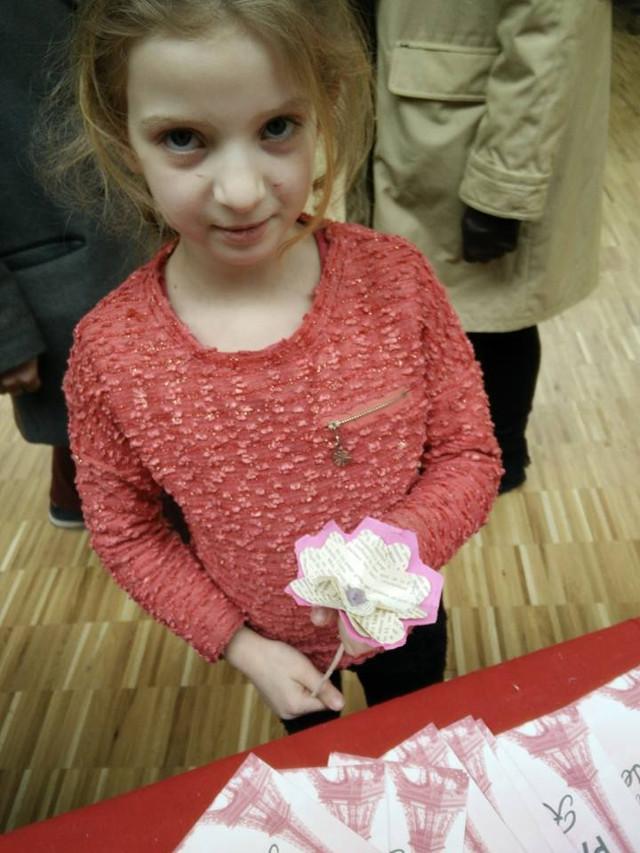 Une rose en papier recyclé