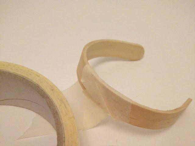 bracelets avec des bâtons de glaces