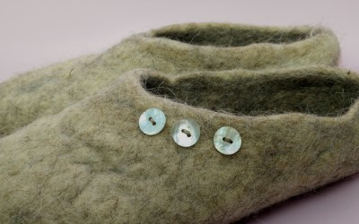 Felting with recycled wool insulation