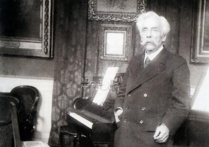 Fauré au piano