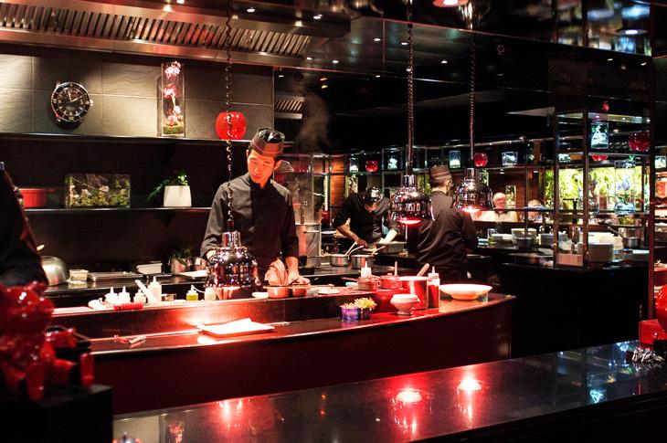 Passagem Gastronômica - Restaurante L'atelier de Joel Robuchon - Paris - França