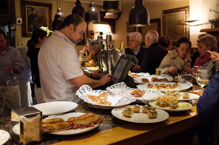 Passagem Gastronômica - Ganbara - Pintxos Bar em San Sebastian