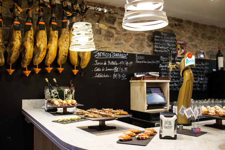 Passagem Gastronômica - Casa Urola - Pintxos Bar em San Sebastian