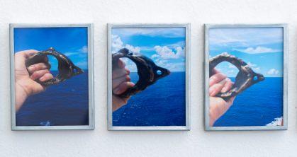 Mariagrazia Pontorno, Everything I Know_33 Atlas, 2018, 33 stampe fotografiche su carta Hahnemuhle, cornici di zinco con incisione laterale, 10x13 cm, ed. di 3.