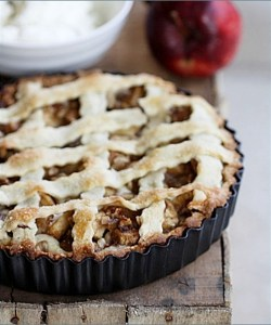 Quark & Apple Crostata