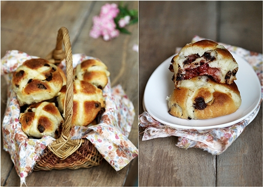 Hot Cross Strawberry Chocolate Chip Buns