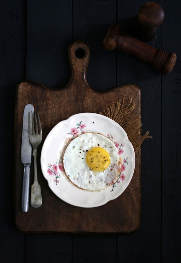 Fried egg on Frying Pan Foil, Asahi Kasei Kitchen Products