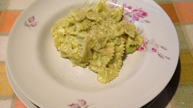 foto_come_far_mangiare_verdure_ai_bambini_pasta_con_crema_di_broccoli