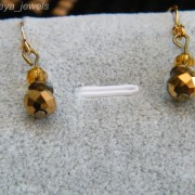 Faceted gold toned beads