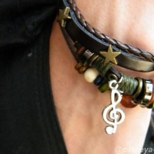 Music charm detail