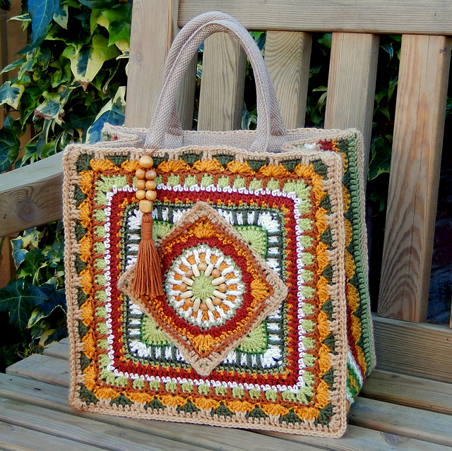 The Jackfield Tile Tote Crochet Bag - Free Pattern | Patterns Valley