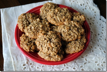oatmeal banana peanut butter cookies 052-001