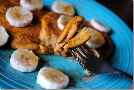 pumpkin almond pancakes 042