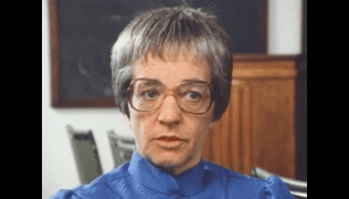 a class divided pbs frontline film A class divided | frontline | pbs on the day after martin luther king jr was murdered in april 1968, jane elliott's third graders from the small, all-white town of riceville, iowa, came to class confused and upset.