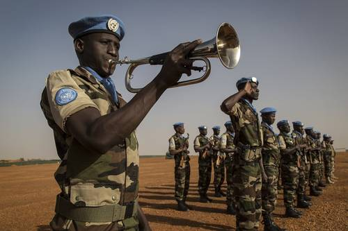 Promoting a Culture of Peace through Education: UNESCO Celebrates UN Peacekeeping Day in Dakar