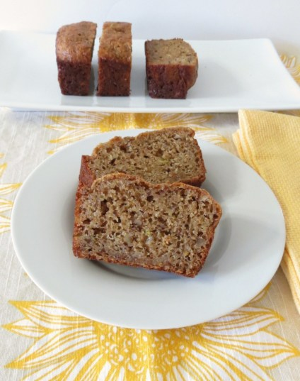 Apples Cinnamon and Walnut Bread