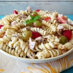 Strawberries and Chicken Pasta Salad with Poppy Seed Dressing #SundaySupper