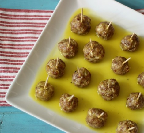 Sweet & Spicy Mango Meatballs #SundaySupper