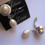 white-double-pearl-clip-on