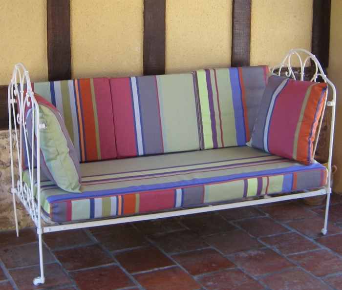 Day Bed and Cushions