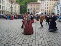Danses sur la place St Jean
