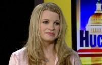Former POW Jessica Lynch discusses Iraq on The Huckabee Show on Fox News. (Photo: Fox News)
