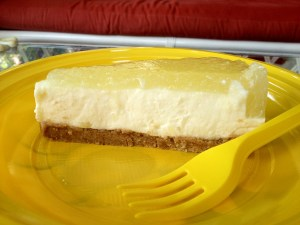 cheesecake all'ananas fetta