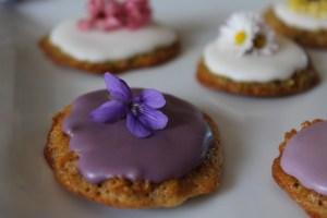 biscotti e fiori edibili 3