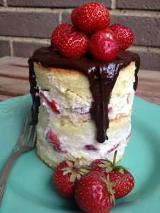 naked cake fragole e panna