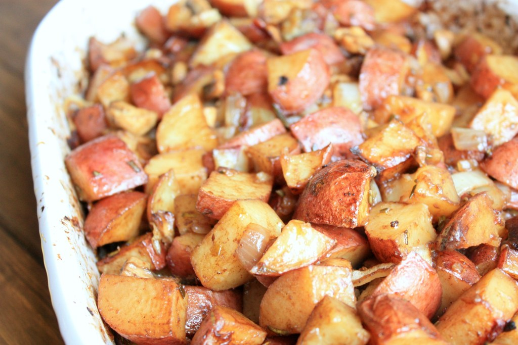 Lemon Rosemary Balsamic Potatoes | Peppers and Peaches