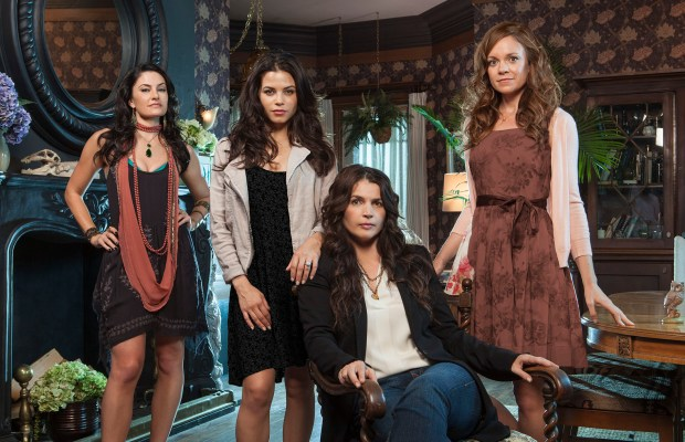 WITCHES OF EAST END  - LIFETIME 5