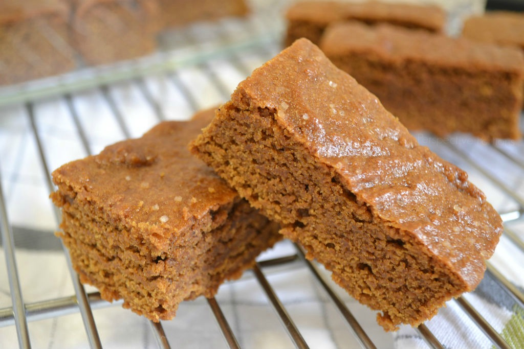 A taste of gingerbread cookies in a chewy bar to Support Cookies for Kids' Cancer with OXO and Dorie Greenspan. Bake a Difference with this Mary's Maine Bar (Gingerbread Bar) recipe.