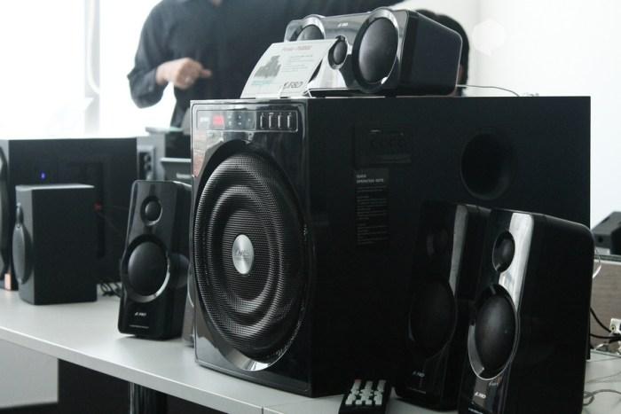 F&D presenta su línea de audio para venta en línea en el mercado local