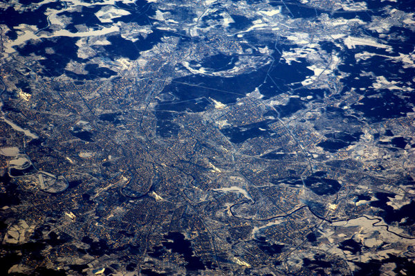 Astronaut Tweets Earth Photos from Space 62954427