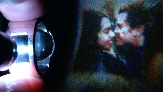 Nifty Photo Projecting Wedding Ring projecting
