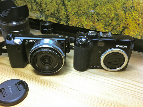 Sony Overtakes Nikon in Interchangeable Lens Cameras in the UK sonynikon