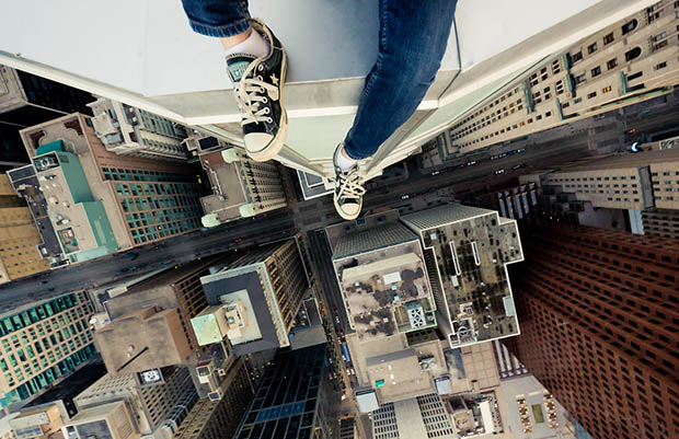 The Amazing Rooftopping Photography of Tom Ryaboi roof1
