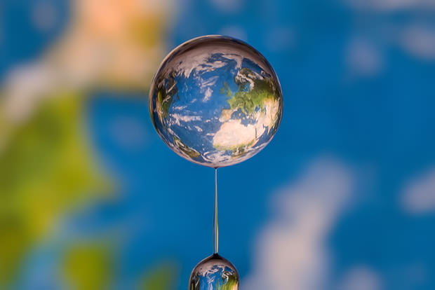 Worlds Captured in Drops of Water planet1 mini