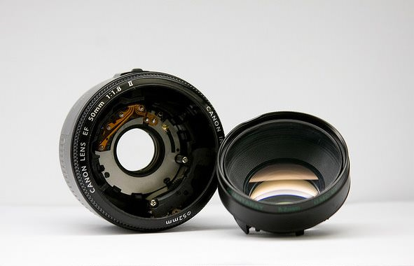 Use the Front Element of a Broken Canon Nifty Fifty Lens for Macro Shots broken1 mini