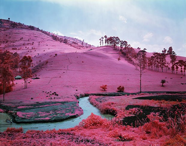 Unique Photos of Eastern Congo Made Using Infrared Film congo1 mini