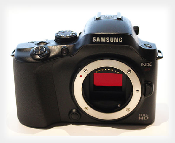 First Full Photos of the Samsung NX20 leaked1 mini