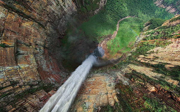 Stunning 360 Aerial Panoramas of the Worlds Highest Waterfall waterfall1 mini