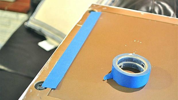 Using Painters Tape to Hang Picture Perfect Picture Frames diyhangingtape mini