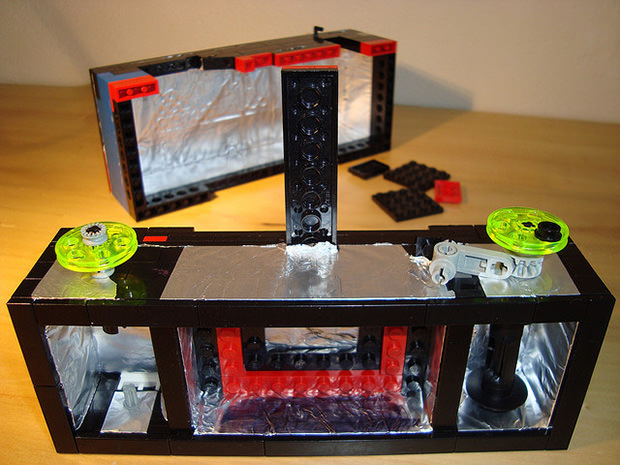A Nifty Panoramic Pinhole Camera Made with LEGO Blocks pinhole1 mini