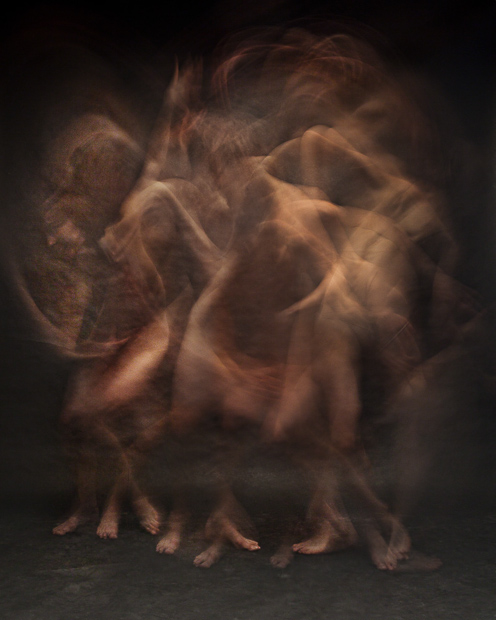 Blurred Long Exposure Portraits Showing Dancers in Motion SMEHc