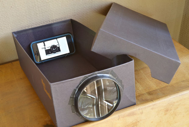 Build a Cheapo Photo Projector Using a Phone, Shoebox, and Magnifying Glass alt1 1000v2